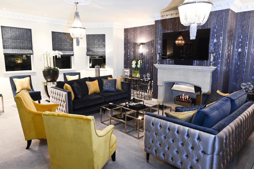luxury lounge 13