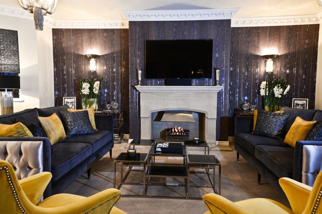 luxury lounge 2